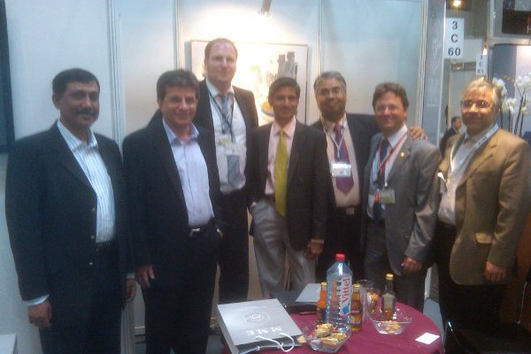 COO Jindal  P.Sasindran with MME Chairman and saff